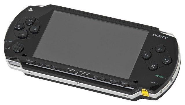 Perbedaan Nintendo & PSP
