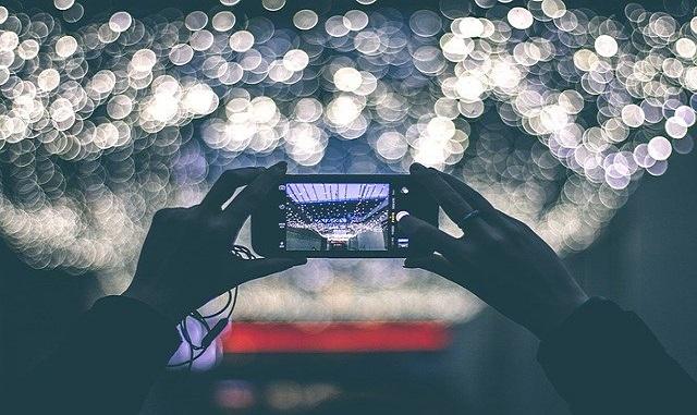 Lebih Bagus Mana Kamera Oppo atau Vivo